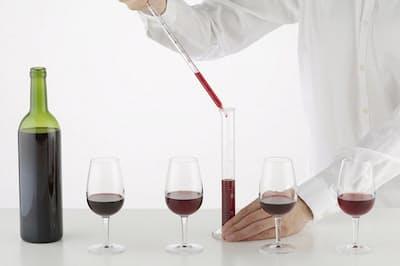 オリジナルワインを自分でつくれるユニークなサービスが登場した