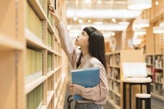 高等教育無償化の議論を進めるなら、「大学や社会をどう変えるか考える必要がある」と海老原嗣生氏は指摘する。写真はイメージ