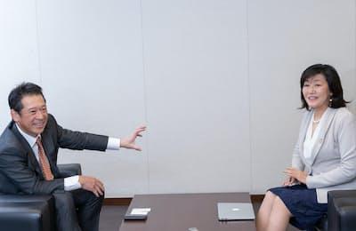川端良三社長と白河桃子さん(写真:吉村永、以下同)