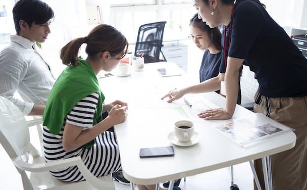 子育てと仕事の両立はできたとしても、「キャリアアップとの両立」は難しい……(写真はイメージ)