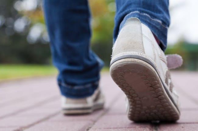 毎日よく歩くことが肺炎予防につながる?写真はイメージ=(C)Rafal Olechowski-123RF