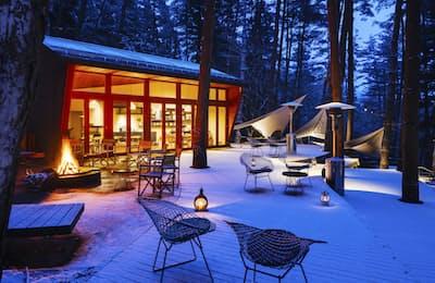グランピングは冬の魅力も大きい(写真は「星のや富士」)
