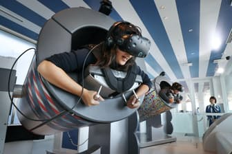 東日本1位のスカイサーカスサンシャイン60展望台のVRアトラクション「TOKYO弾丸フライト」(東京都豊島区)
