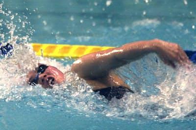代表選考会を兼ねた2000年4月の日本選手権では、200メートル自由形で優勝したが…(写真は準決勝、東京辰巳国際水泳場)=共同
