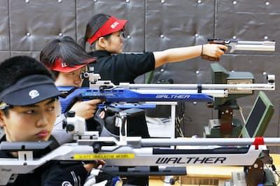 射撃は海外では「精神のスポーツ」と呼ばれて人気だが…(写真はイメージ)