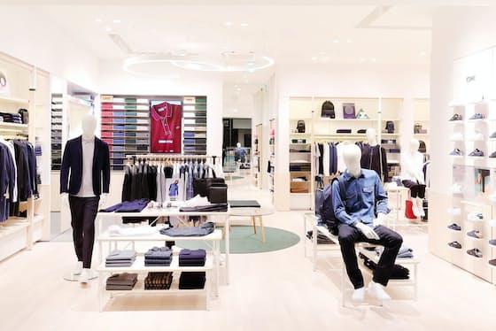 ラコステの店舗では若い世代が好む店作りを目指している
