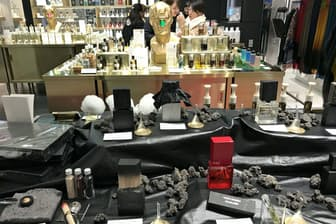 見た目もユニークな世界中のニッチフレグランスを集めた「NOSE SHOP」。手前が「ウナム」(東京都中央区)