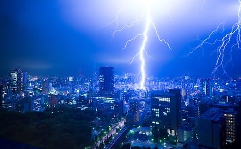 先進国では異常気象により猛烈な落雷が増えている
