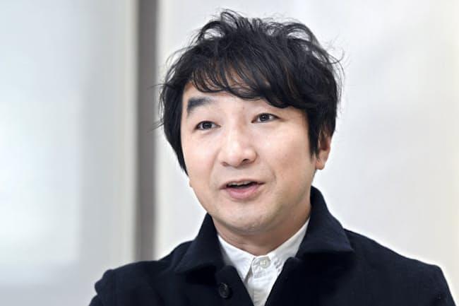 1970年東京都生まれ。劇団出身で舞台演出家や脚本家としても活動。テレビドラマ「TRICK」「医龍」など個性的な役柄で注目を集める。出演映画「笑顔の向こうに」は15日公開。