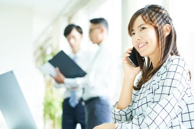 仕事も人生も前向きな女性が増えている(写真はイメージ=PIXTA)