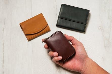 人気のミニ財布をタイプ別に紹介する特集。第2回はカードや小銭がしっかり入る大容量のミニ財布だ