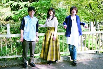 左から、水野良樹(リーダー)、吉岡聖恵、山下穂尊。2006年に『SAKURA』でデビュー。『YELL』『ありがとう』などヒットソングを多数輩出。17年1月5日に「放牧宣言」し休止に入る。18年11月2日に「集牧宣言」して活動再開を発表。19年3月からファンクラブツアーを開催する。
