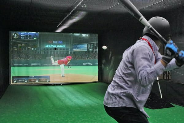 デジタル技術を使った対戦型バッティングマシンを楽しめる(東京都立川市のレジェンドスポーツヒーローズ立川)