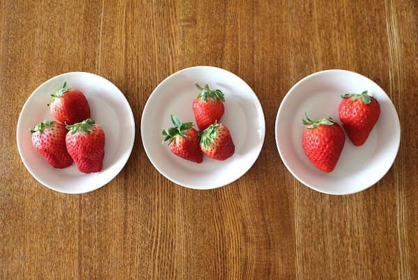 今回試したイチゴ3種。左から、大分県産「ベリーツ」、佐賀県産「いちごさん」、栃木県産「スカイベリー」