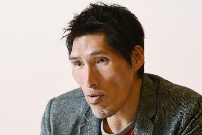 インタビューに答える篠原信一(2018年12月、大阪市内のホテル)