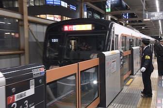 東急電鉄が大井町線で開始した有料座席指定サービスは、通常料金に400円を追加することで利用できる