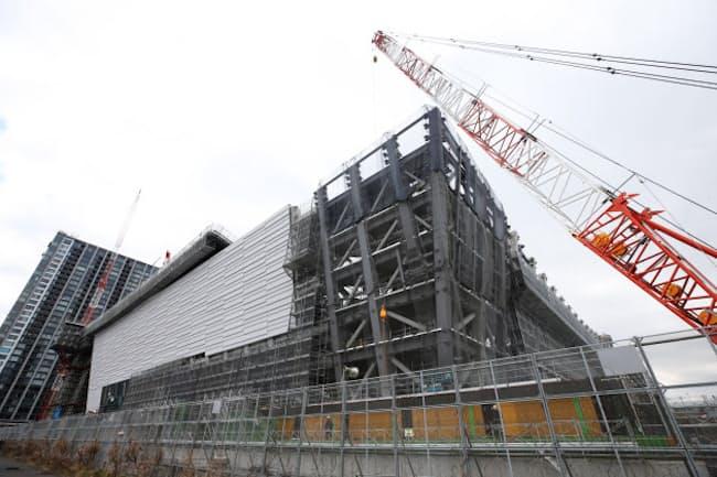 報道公開された建設中の有明アリーナ(2019年2月12日、東京都江東区)