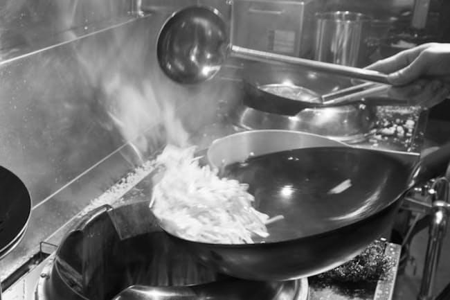 浦和のラーメン店をやめてからは大宮で転々とし鍋を振った。写真はイメージ=PIXTA