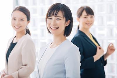 社員から推薦を受けた人を採用する「リファラル採用」が注目されている(写真はイメージ=PIXTA)