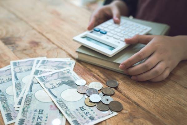 家賃滞納が離婚や自己破産につながるケースもある。写真はイメージ=PIXTA