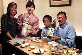 「SAKE Scene ます福」で日本酒の魅力を語る簗場さん(左から2人目)