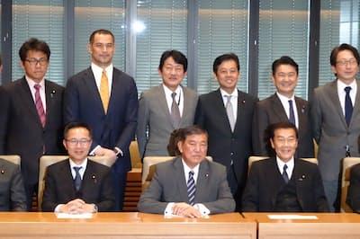 法案可決後の2018年12月12日に「超党派・チケット高額転売問題対策議員連盟総会」を開催した