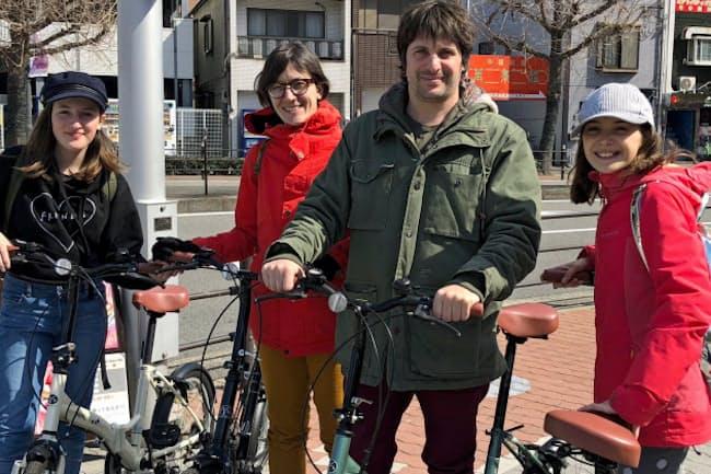 大阪市のベイエリアでは自転車に乗った訪日外国人の姿が目立つ