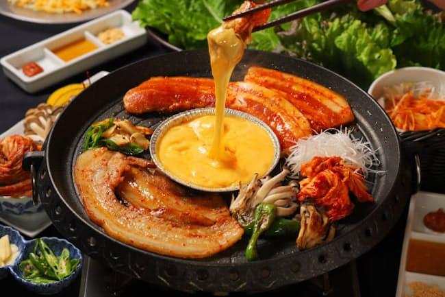 「食堂BAR カスミガセキ」の「チーズ・サムギョプサル」