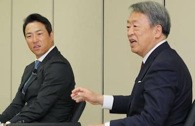 講演する黒田さん(左)と池上さん