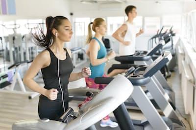 いつ、どのような運動をすれば、血糖値を下げられるのでしょう。写真はイメージ=(c)oneblink-123RF