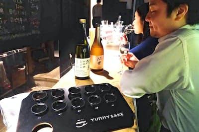 10種類を飲み比べ、スマホのアプリで好きな日本酒タイプを判定(東京・代官山のYUMMY SAKE COLLECTIVE)