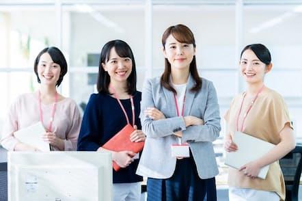 女性管理職比率が高い企業ほど残業が少ない傾向に(写真はイメージ=PIXTA)