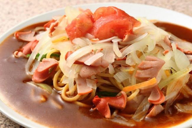 そ~れの「ミラカン」はベーコン、ソーセージ、トマト、タマネギと、肉類と野菜両方の具材を味わえる