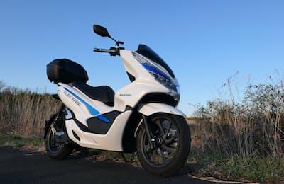 ホンダ初の原付き二種電動バイク「PCX ELECTRIC」