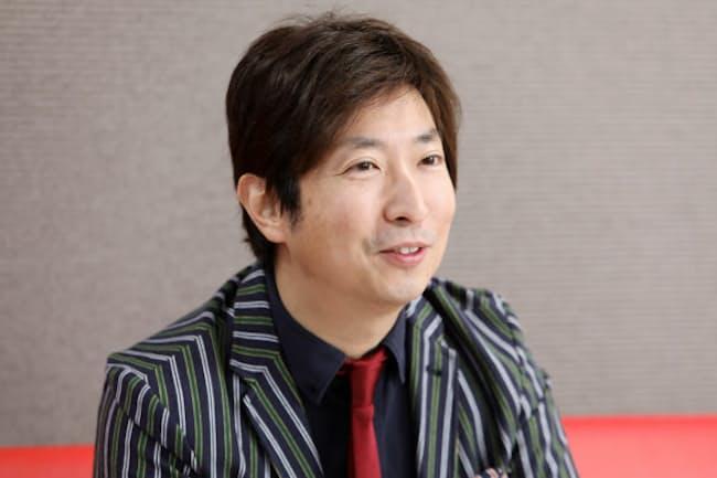 1976年、マレーシア生まれ。テレビ番組や雑誌で映画コメンテーターを務めるほか、ラジオ番組のパーソナリティーとしても活躍。DMMオンラインサロン「有村昆のシネマラボ」も活動中。