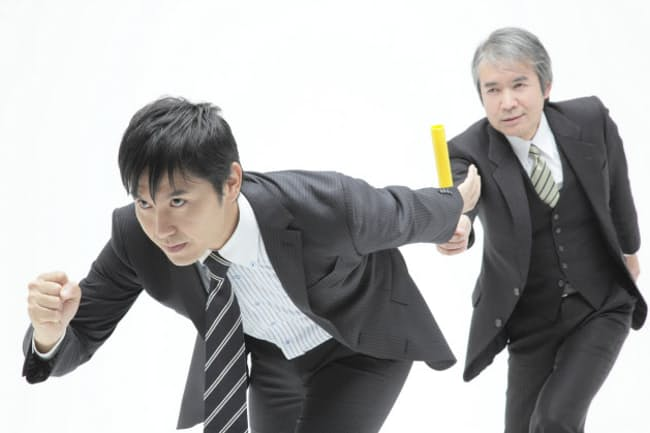 中小企業経営者の事業承継は「待ったなし」の急務になりつつある。写真はイメージ=PIXTA
