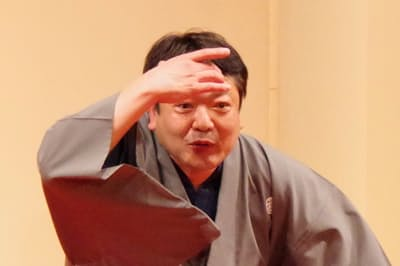 人情噺(にんじょうばなし)に定評のある立川談笑さん(2019年4月、東京都武蔵野市)