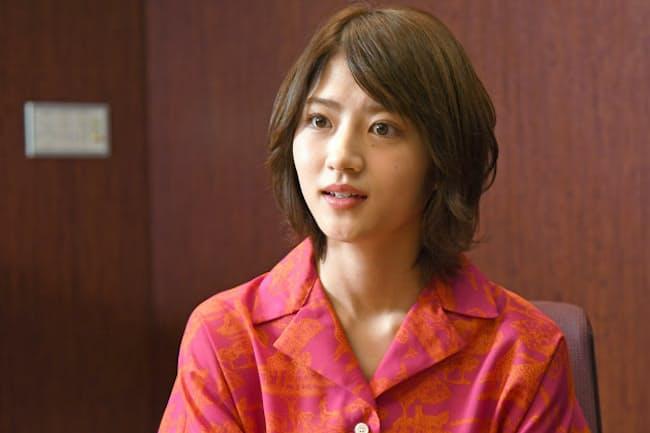 SOMPOパラリンアートカップ2019の審査員を務める女優の若月佑美さん