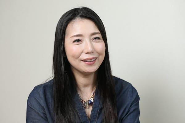 1961年東京都生まれ。高校在学中にオーディションで劇作家の故・寺山修司氏に見いだされデビュー。代表作に「ふぞろいの林檎たち」「スケバン刑事」など。2013年に一般男性と結婚した。
