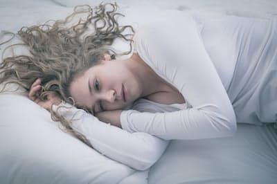 うつ病の発症直後は、薬を飲んでしっかり休むことが何よりも大事だ。写真はイメージ=(c) Katarzyna BiaA asiewicz-123RF