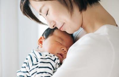 ママにも赤ちゃんにもハッピーな抱っこひもとは(写真はイメージ=PIXTA)