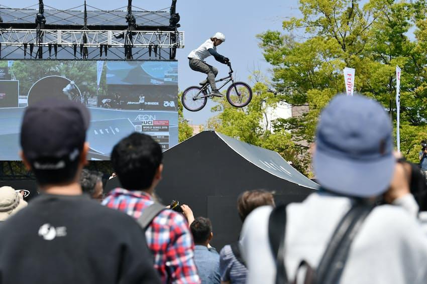 都市型スポーツの国際大会FISEには多くの観客が訪れた(4月21日、広島市)