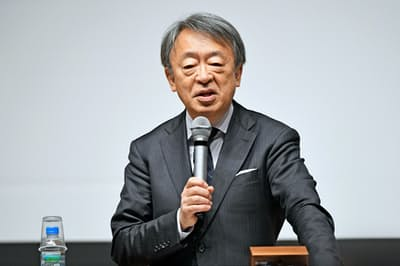 池上さんは、今春働き始めた若者に「信頼関係は一朝一夕には築けない」と語りかけた