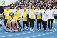 今年3月の「パラ駅伝」には人気ユーチューバーのフィッシャーズが参加した(東京都世田谷区の駒沢オリンピック公園陸上競技場)