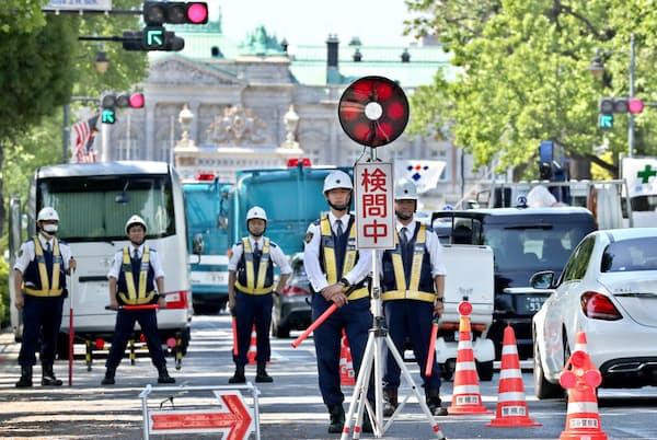 トランプ米大統領の来日では、厳戒態勢が敷かれた(2019年5月25日、東京都新宿区の迎賓館周辺)
