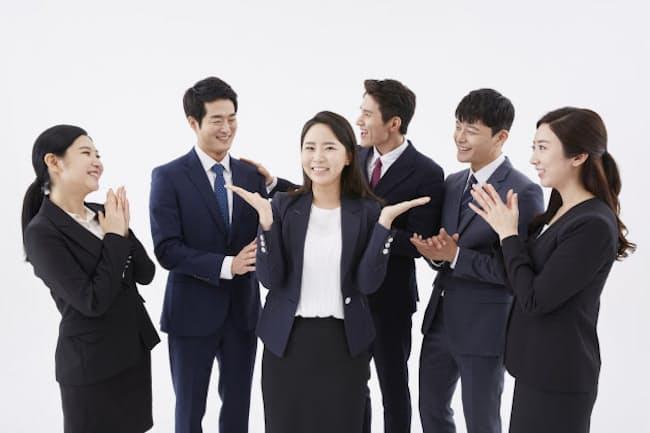 経営者は「ツイている人」との仕事を好む傾向がある。写真はイメージ=PIXTA