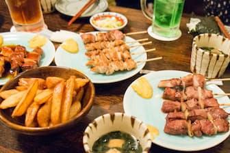 飲み会の時、どんなお酒を選ぶと食後の血糖値の上昇が抑えられるのだろうか。写真はイメージ=(c)takkemei-123RF