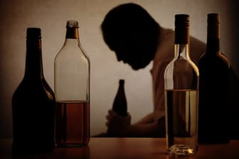 勝谷誠彦さんを襲った「重症型アルコール性肝炎」とはどういうものなのだろうか。写真はイメージ=(c)Axel Bueckert-123RF