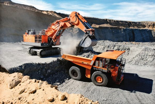 日立建機の鉱山用機械