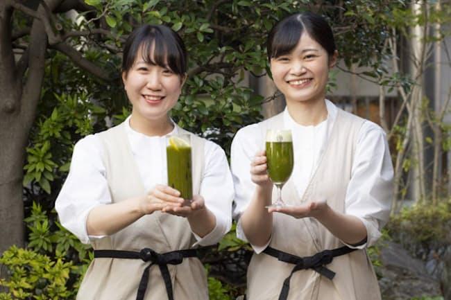 お茶がテーマの「レストラン 1899 お茶の水」の一番人気は「抹茶ビール」(右) 今年から「抹茶ハイボール」(左)が登場